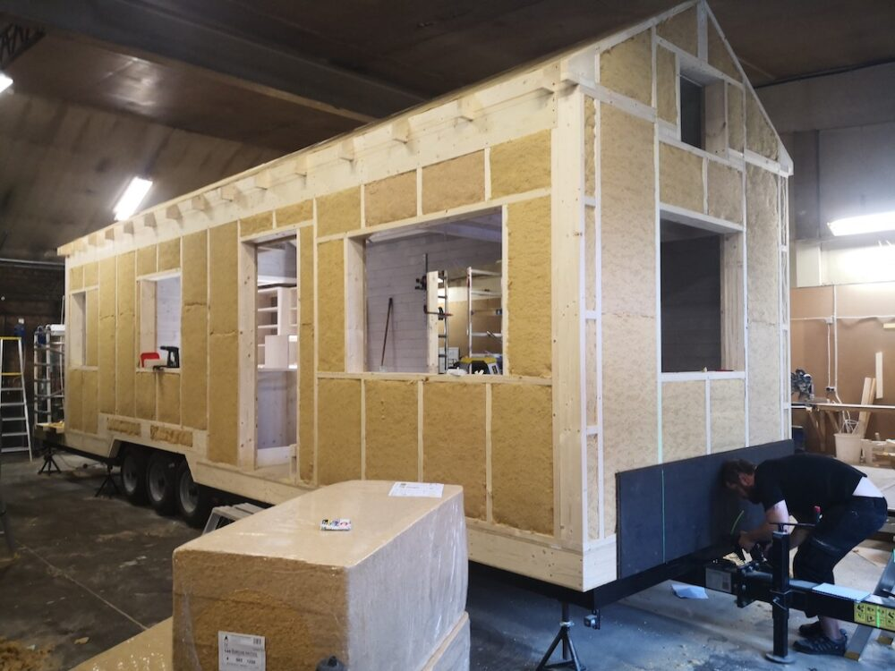 tiny_house_on_wheels_building