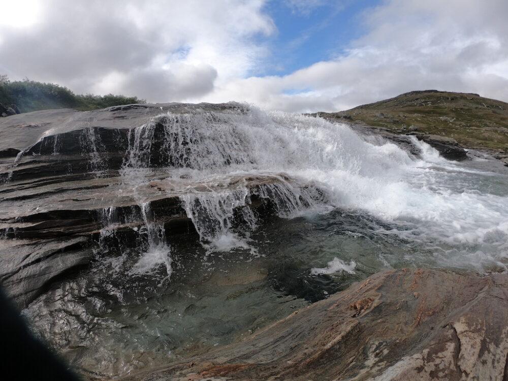 Barbara_simple_life_hiking_waterfall.